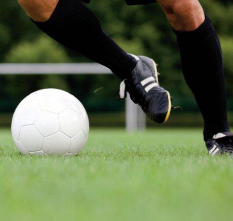 O-Beine und intensives Fußballtraining im...