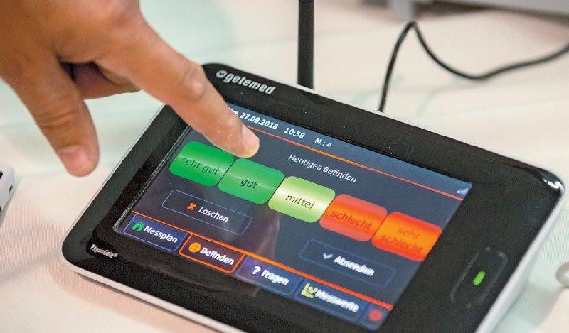 Die bei der Telemedizin- Studie Fontane verwendete Sendestation fungiert als Hub, der die medizinischen Geräte mit dem Mobilfunknetz verbindet. Foto: dpa