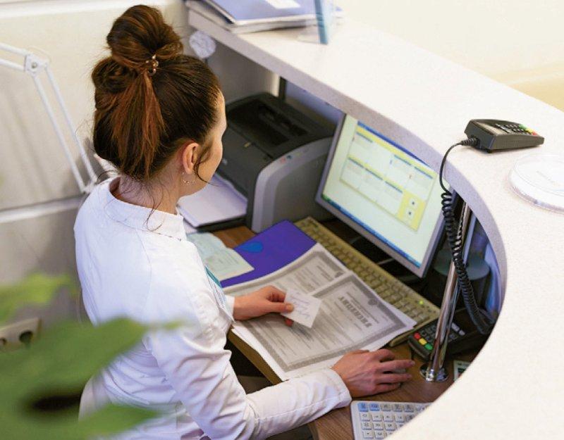 Arztpraxen müssen nach derzeitiger Gesetzeslage bis zum Jahresende an die Telematikinfrastruktur angeschlossen sein. Foto: yana vinnikova/stock.adobe.com