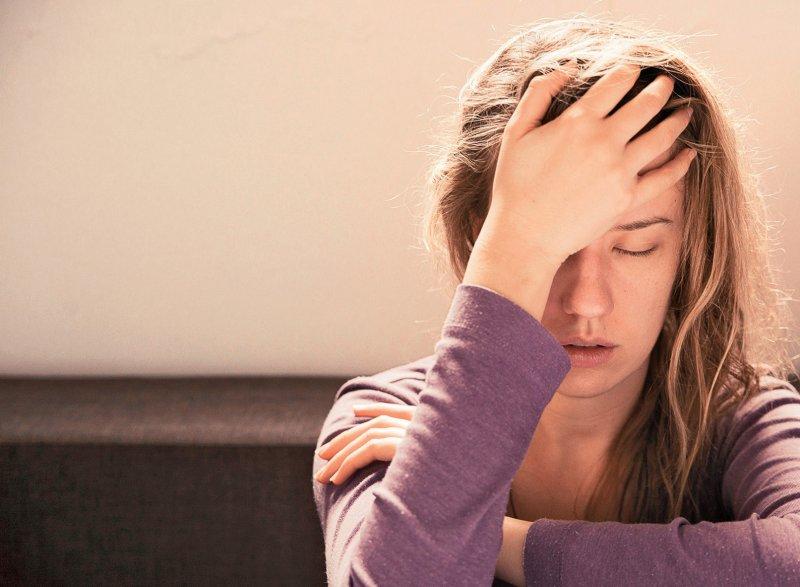 Rund 64 Prozent der jungen Pflegenden sind Mädchen. Sie schätzen ihre Lebensqualität deutlich schlechter ein als andere Jugendliche. Foto: ljubaphoto/iStockphoto