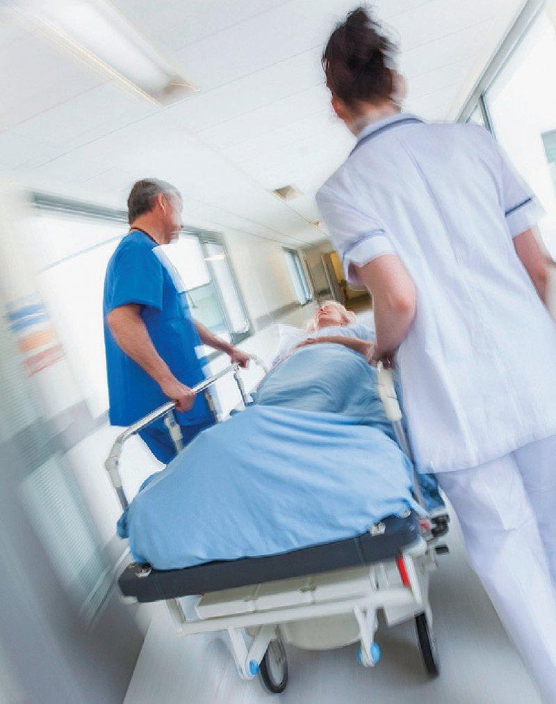 Personaluntergrenzen sollen auch für den ärztlichen Dienst gelten, fordert der Marburger Bund. Foto: spotmatikphoto/stock.adobe.com
