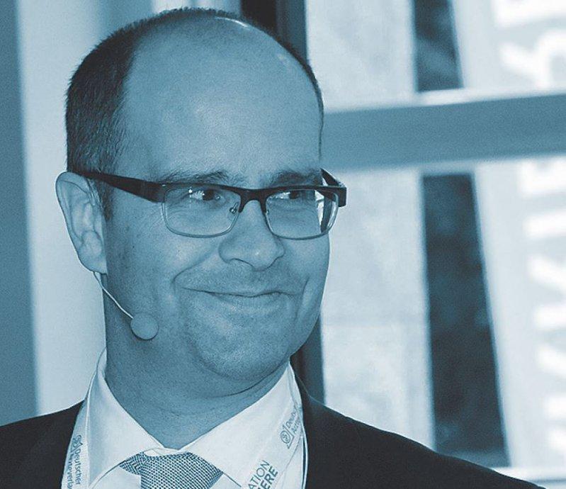 """""""Seien Sie bezüglich Ihres ersten Arbeitsvertrags kritisch und informieren Sie sich vor dem Unterzeichnen."""" Andreas Wagner, Marburger Bund Hessen. Foto: DÄV"""