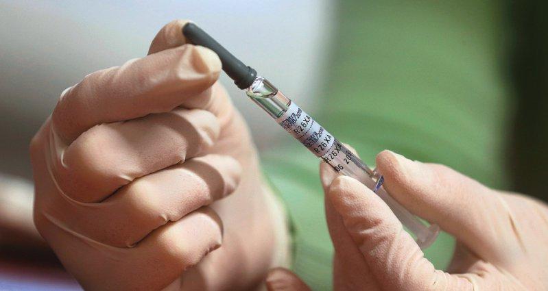 Bei Lieferengpässen von Grippeimpfstoffen wünscht sich das Paul-Ehrlich-Institut nach wie vor Meldungen. Foto: dpa