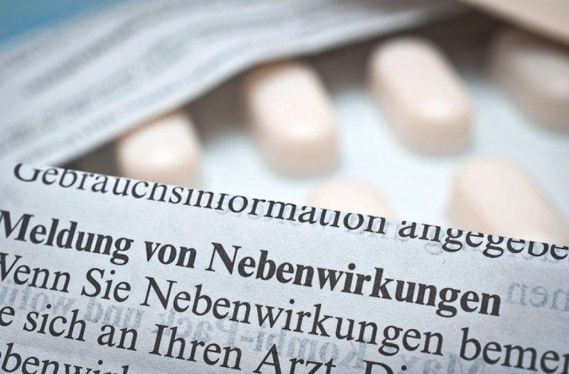 Bei Nebenwirkungen sollte nur der behandelnde Arzt über die Reaktion darauf entscheiden, sagen PEI und BfArM. Foto: Stockfotos-MG/stock.adobe.com