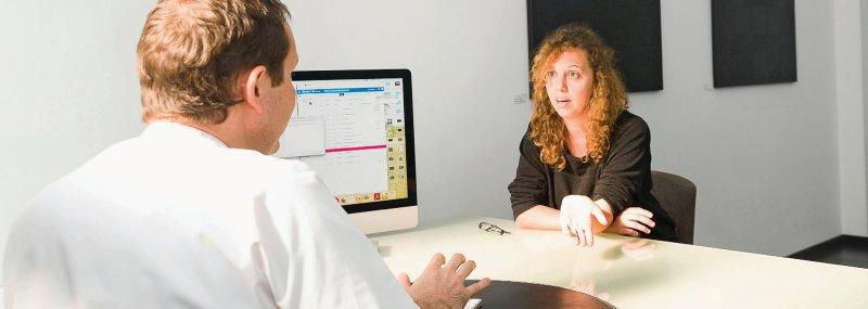 Das gegenseitige Vertrauen ist wichtiger Bestandteil des Vertragsverhältnisses zwischen Patienten und Ärzten. Foto: picture alliance
