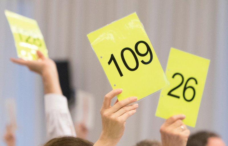 Deutlich stimmten die Delegierten dafür, sich gegen Rassismus, Hass, Gewalt und Diskriminierung einzusetzen. Fotos: BPtK