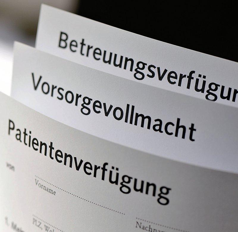 Seit 2009 sind Patientenverfügungen gesetzlich geregelt. Vorsorgevollmacht, Patientenverfügung und Betreuungsverfügung können kombiniert werden. Foto: nmann77/stock.adobe.com