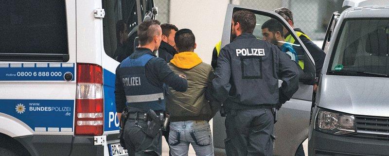 Rund 23 600 Asylbewerber wurden im Jahr 2018 aus Deutschland abgeschoben. Foto: dpa