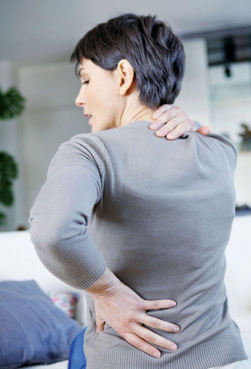An unspezifischen Rückenschmerzen leiden jedes Jahr etwa 75 Prozent der Bevölkerung. Foto: RFBSIP/stock.adobe.com