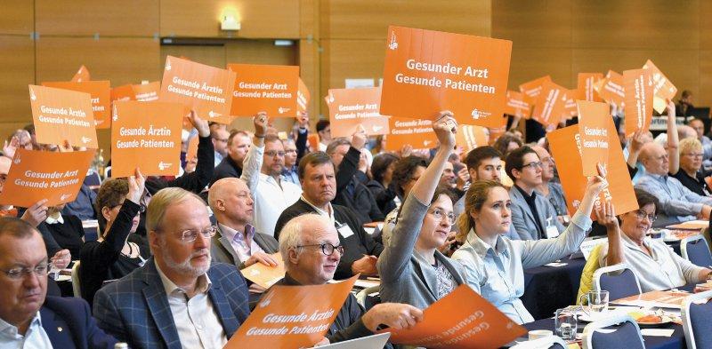 Arztwohl ist Patientenwohl: Die MB-Hauptversammlung betonte, dass nur gesunde Ärzte ihre Patienten gut versorgen können. Fotos: Jürgen Gebhardt