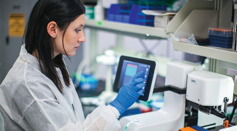 Den Biomarkertest könnten nach Angaben des G-BA in Deutschland rund 20 000 Brustkrebspatientinnen beanspruchen. Jährlich erkranken in Deutschland etwa 70 000 Frauen an einem Mammakarzinom. Foto: Genomic Health