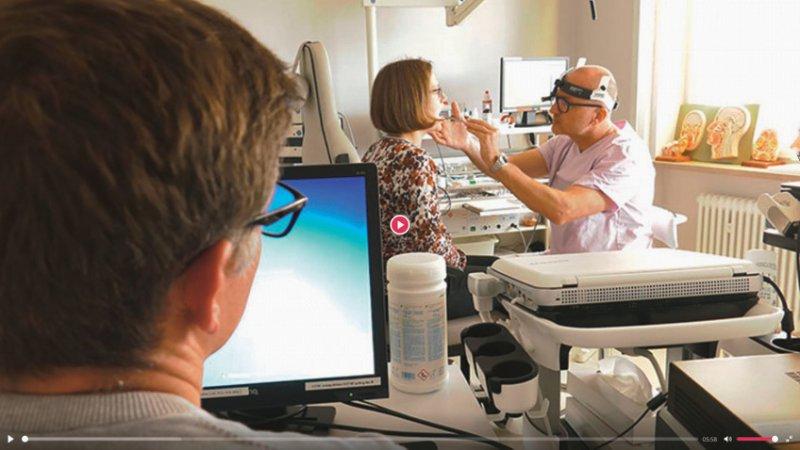 Ein Peer-Review in der Arztpraxis profitiert vom kollegialen Schulterblick.