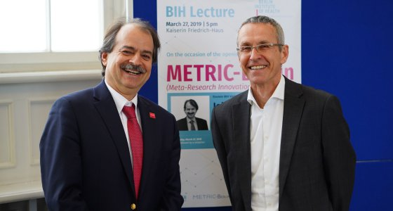 John Ioannidis (links) und Ulrich Dirnagl, Gründer des QUEST Center (rechts) /BIH, Stefan Zeitz