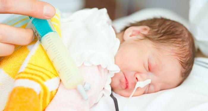 Schnellere Auffütterung von Frühgeborenen bleibt in Studie ohne Risiken