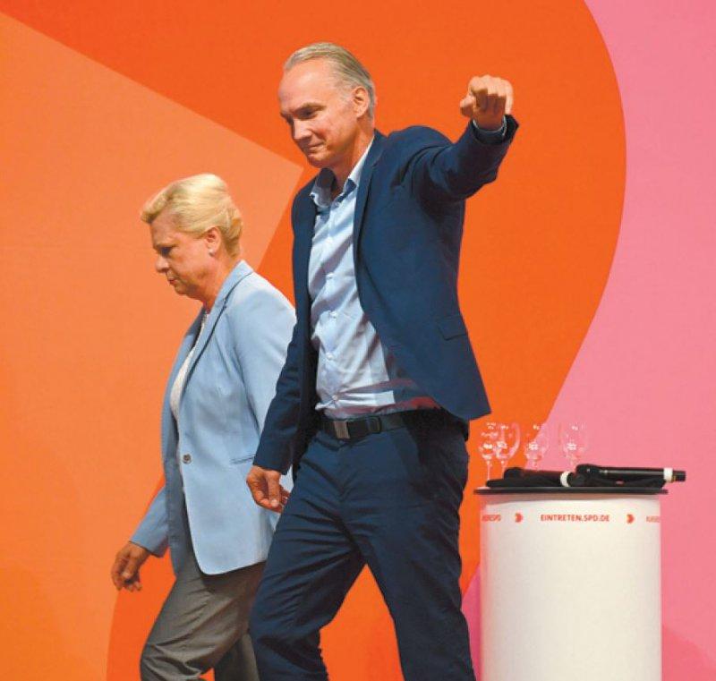 Hilde Mattheis und Dierk Hirschel verfolgen ihre Kandidatur nicht weiter. Foto: dpa