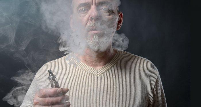 Umstieg auf E-Zigaretten verbessert kardiovaskuläre Gesundheit bei starken Rauchern