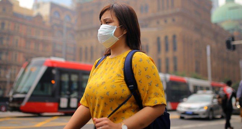 Chirurgische Gesichtsmasken halten Coronaviren zurück