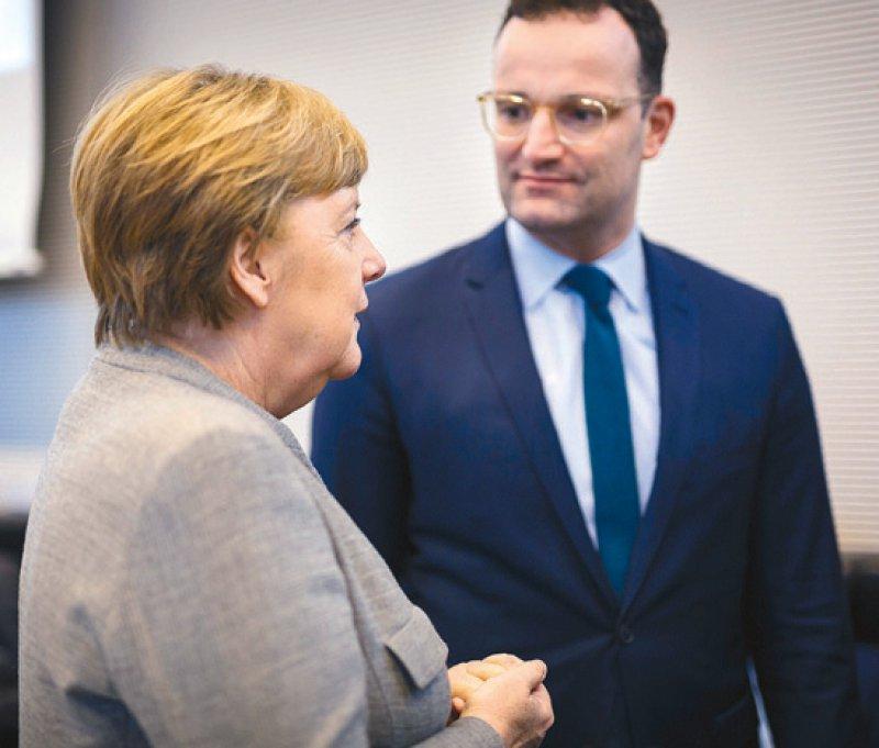 Wichtig im Coronakabinett: Kanzlerin Angela Merkel und Bundesgesundheitsminister Jens Spahn. Foto: Felix Zahn/photothek.net