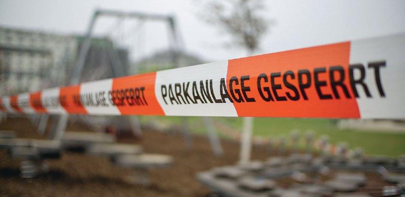 Geschlossene Spielplätze und Parks sind derzeit Alltag. Foto: TeamDaf/stock.adobe.com