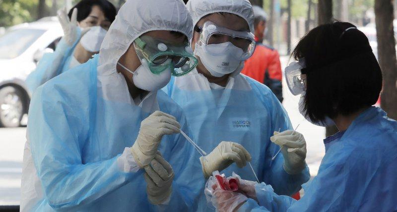 """COVID-19: In Südkorea """"re-positiv"""" getestete Patienten nicht infektiös"""