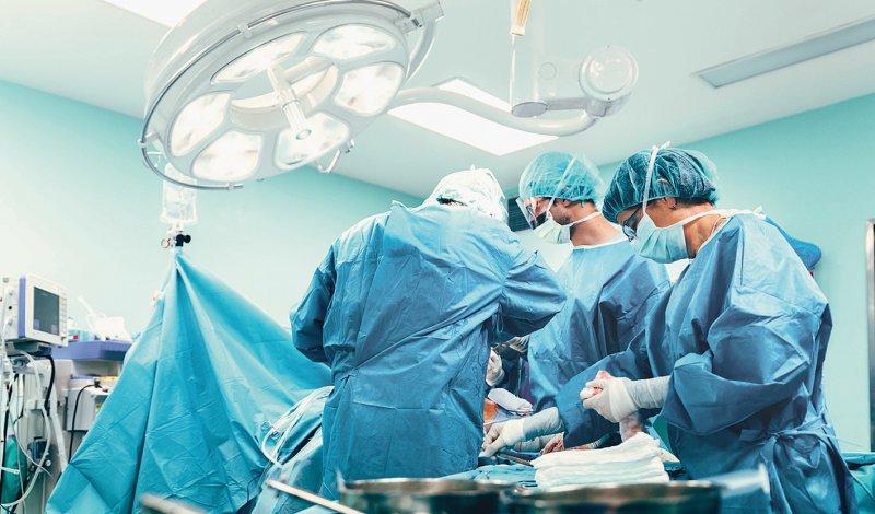 Elektive Eingriffe sollen in den Krankenhäusern wieder stattfinden. Foto: santypan/stock.adobe.com