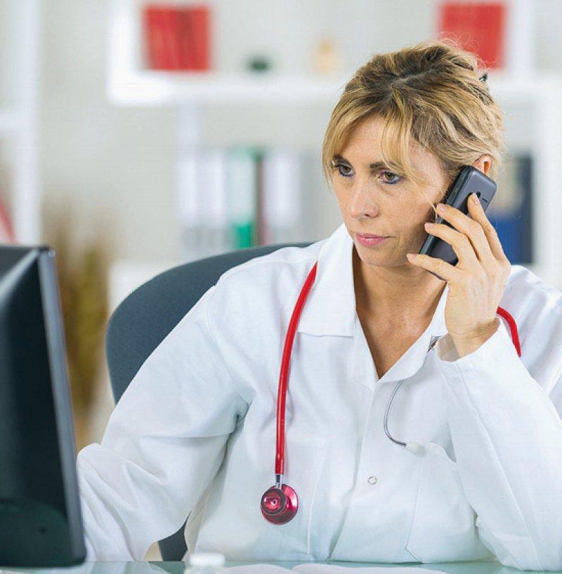 Telefonie und Videotelefonie können Ärzte für die Krankschreibung nutzen. Foto: auremar/stock.adobe.com