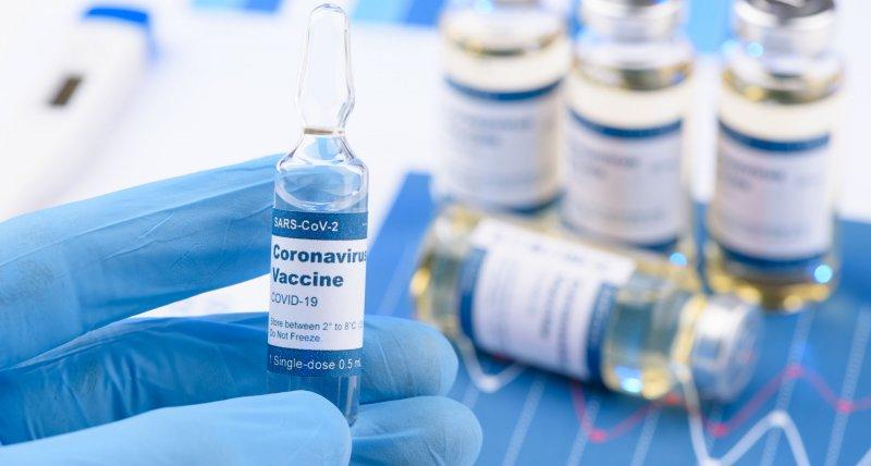 SARS-CoV-2: Forscher berechnen Vor- und Nachteile beim Verzicht auf die zweite Impfung