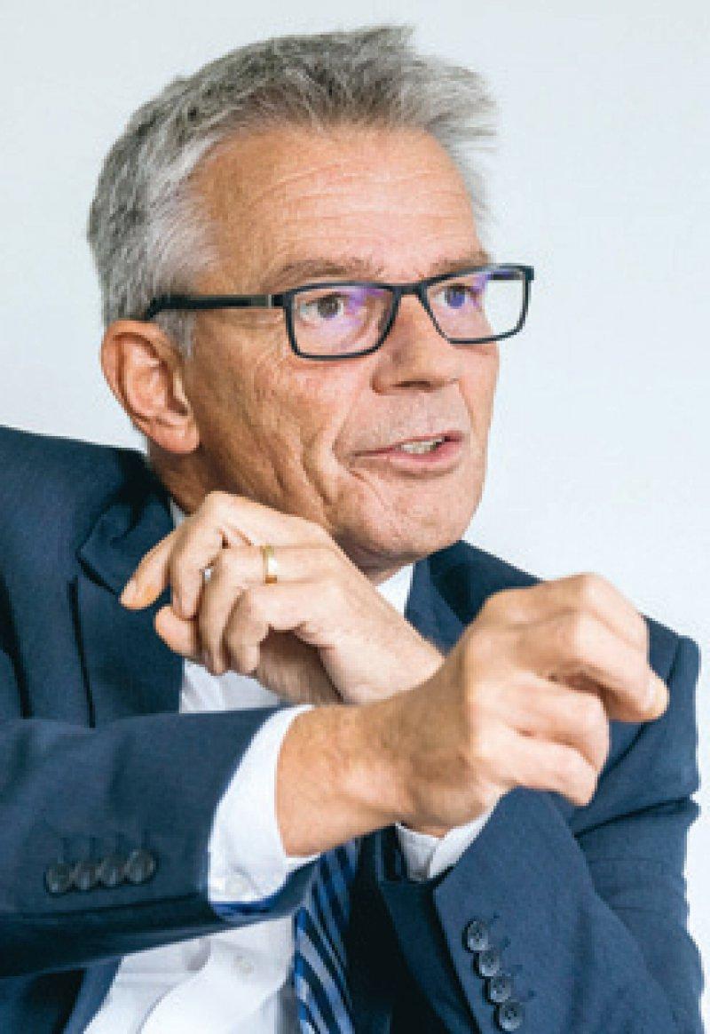 """""""Ich würde es als Erfolg werten, wenn 20 Prozent der Verträge in die Regelversorgung oder in Selektivverträge aufgenommen werden."""" Josef Hecken, Vorsitzender Innovationsausschuss und unparteiischer G-BA-Vorsitzender. Foto: Svea Pietschmann"""