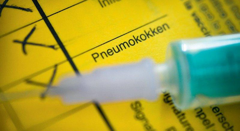 Schutz vor Komplikationen bei einer möglichen Infektion mit dem Coronavirus versprechen Impfungen gegen Pneumokokken, Influenza und Keuchhusten. Foto: picture alliance/Bildagentur-online
