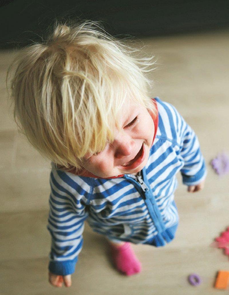 Temporäre Kinderschutzhotlines sollten nach Ansicht der Kinderhilfe geschaltet werden. Foto: iStockphoto/Nadezhda1906