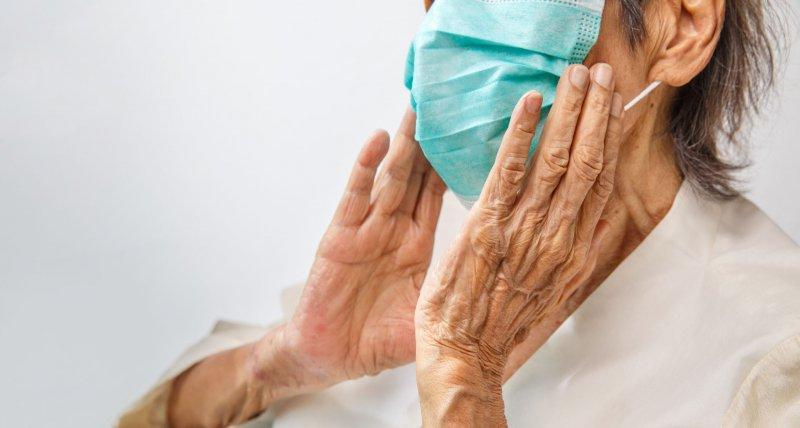 SARS-CoV-2: Bei über 75-Jährigen endet jede siebte Infektion tödlich