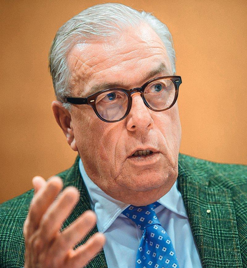 Für den BÄKPräsidenten Klaus Reinhardt darf die Technik den Arzt auf keinen Fall ersetzen. Foto: picture alliance/dpa/Gregor Fischer