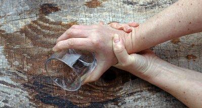 Morbus Parkinson: Nebenwirkungen schränken Nutzen der Ultraschallbehandlung ein