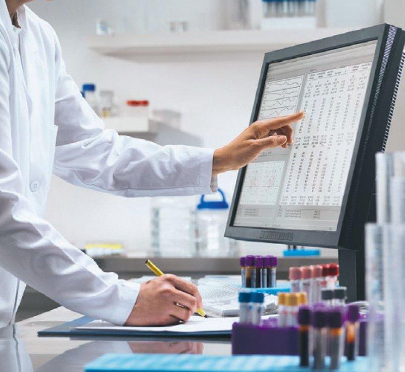 Eine bessere Studienübersicht könnte Ärzten und Forschern bei der Arbeit an Leitlinien nützlich sein. Foto: mauritius images/Cultura