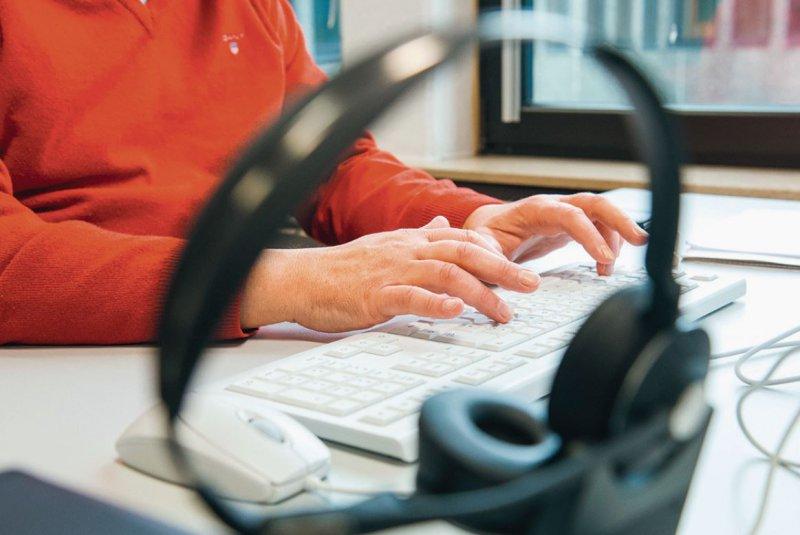 Nicht in allen Gesundheitsämtern ist die Digitalisierung bislang vollständig angekommen. Foto: picture alliance/dpa/Daniel Bockwoldt