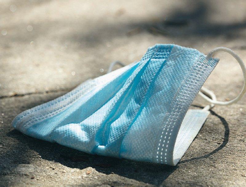 Eine Befreiung vom Tragen einer Mund-Nasen-Be deckung muss konkret und nachvollziehbar begründet werden. Foto: Fernando/stock.adobe.com